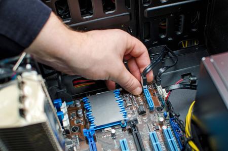 Текущий ремонт компьютерного оборудования6827671
